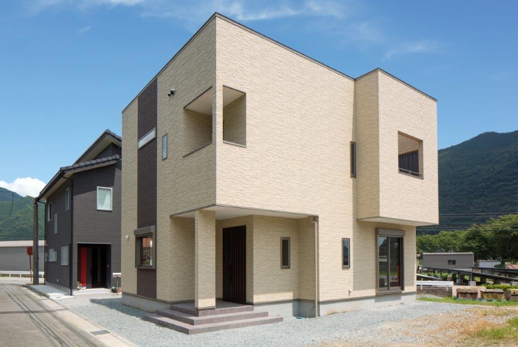 空間を自由に遊ぶ「家」施工写真サムネイル